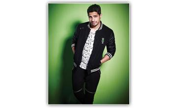 An Actor and a Gentleman Sidharth Malhotra, the hottie, unplugged
