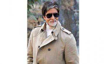 Amitabh Bachchan sent legal notice for dressing up as lawyer in ad