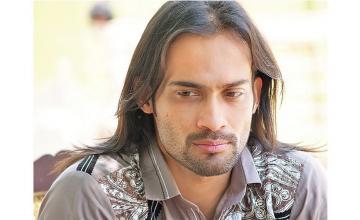 Waqar Zaka - Look in the Sheesha!