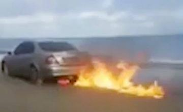 Vlogger livestreams himself setting his Mercedes on fire