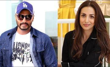 Malaika tags Arjun Kapoor as her 'right lover'