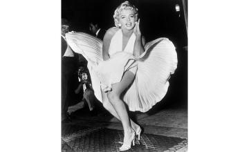 Marilyn Monroe looks go up for auction