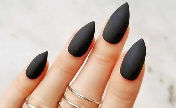 Black manicure takes over