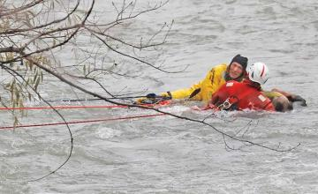 Man clinging to branch for two hours rescued from Niagara River just 75 yards from Falls