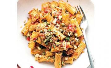 Meghan Markle's Zucchini Bolognese