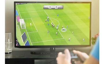FIFA and Fortnite players can earn extra cash during lockdown by teaching others to play