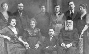 Christian woman in Alabama and Jewish man in Israel discover they're related through WWI photo