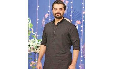 Hamza Ali Abbasi is finally making a comeback to showbiz