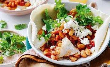 Smoky Baked Beans with Flatbread
