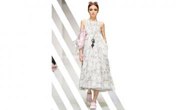 Flaunting a Midi dress
