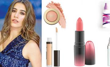 GET SYRA YOUSUF'S LOOK!