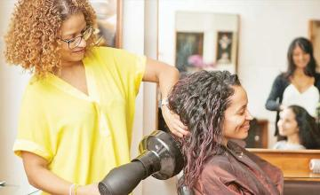 Hairstylist explains why it's crucial you always look down when getting a trim