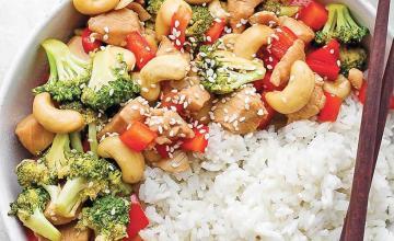 Chicken and Cashew Stir-Fry with Thai Rice