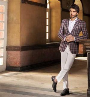 Spectacular in suit