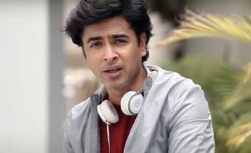 Shehzad Roy releases the new unplugged version of his hit song 'Mukhra'