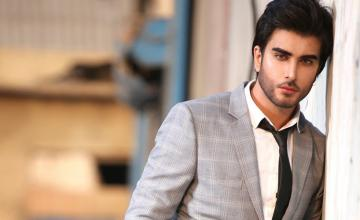 Imran Abbas makes his directorial debut with the video of a 'naat'