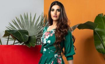 60 SECONDS WITH HAREEM FAROOQ