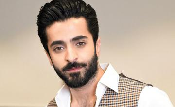 Sheheryar Munawar called out for attending Fahad Mirza's jam packed qawwali night