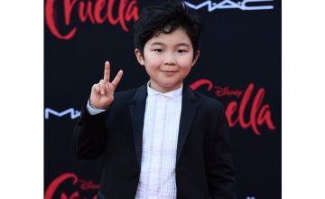 'Minari's' Alan Kim gets adorably star struck meeting Emma Stone at the 'Cruella' premiere