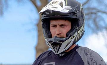 Motorcycle stuntman Alex Harvill dies in attempt to break world record