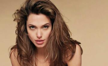 Angelina Jolie joins Instagram, breaks record