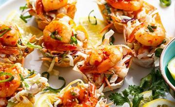 Garlic Prawn Salad Wontons