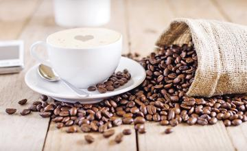 Doctor warns you should never drink coffee first thing in the morning